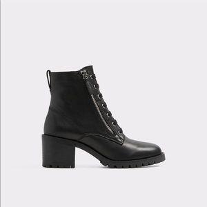 women boots black